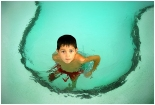 Child_in_swimming_pool